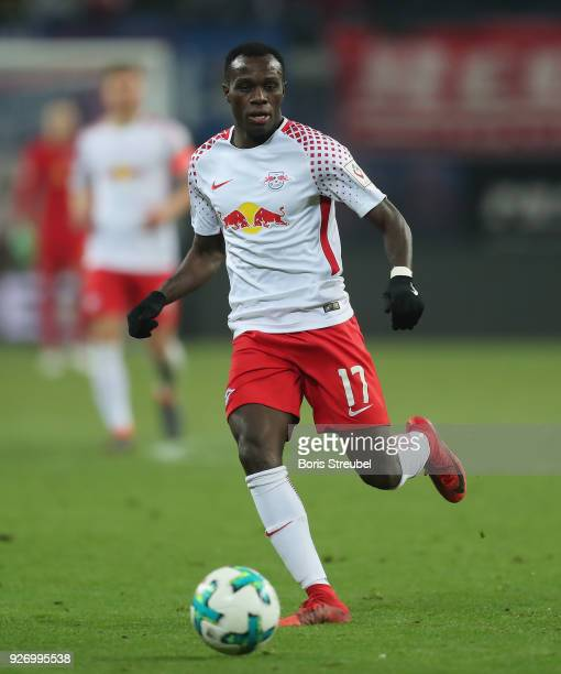 Bruma of RB Leipzig runs with the ball during the Bundesliga match between RB Leipzig and Borussia Dortmund at Red Bull Arena on March 3 2018 in...