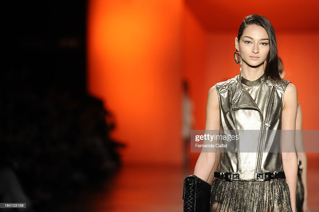 Bruna Tenorio walks the runway during Ellus show during Sao Paulo Fashion Week Summer 2013/2014 on March 19, 2013 in Sao Paulo, Brazil.