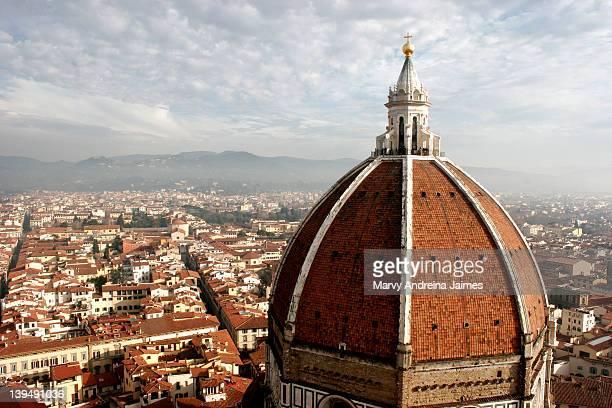 brunelleschi dome - duomo santa maria del fiore stock pictures, royalty-free photos & images
