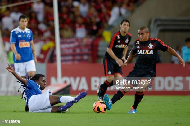 Bruninho of Flamengo fights for the ball with Tinga of Cruzeiro during the match between Flamengo and Cruzeiro for the Brazilian Series A 2013 at...