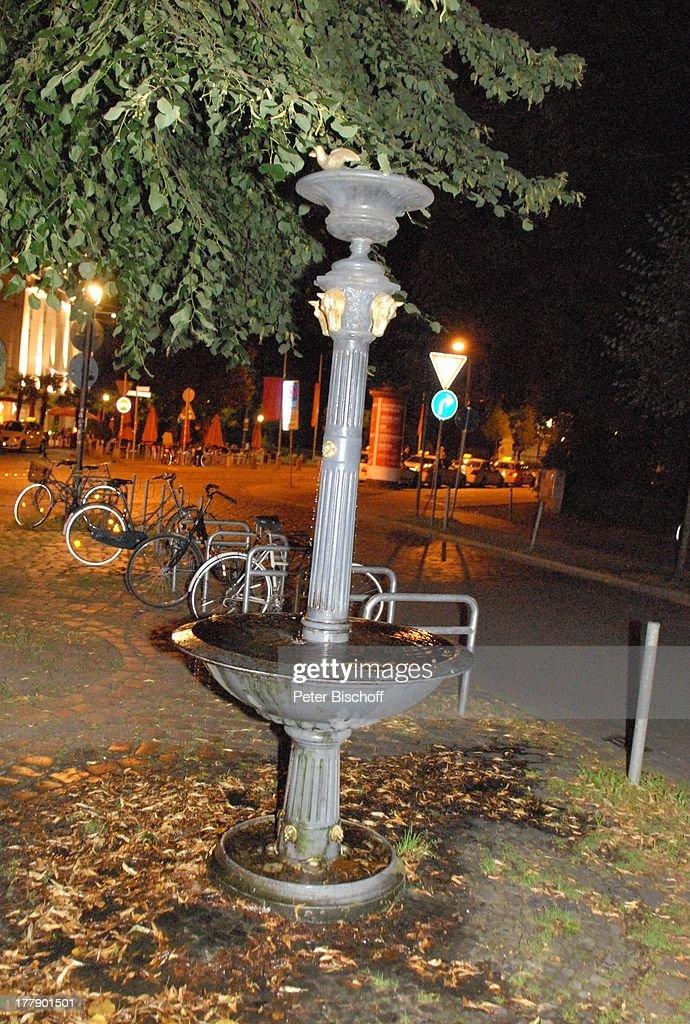 Brunnen, Auf Goetheplatz, Bei Verleihung 2. U0027Bremer Stadtmusikantenpreisu0027,  Bremen,