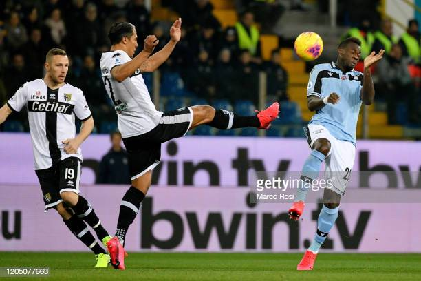 Bruno Alves of Parma Calcio competes for the ball with Felipe Caicedo of SS Lazio during the Serie A match between Parma Calcio and SS Lazio at...