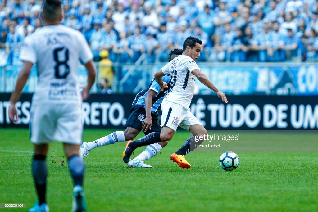 Gremio v Corinthians - Series A 2017 : News Photo