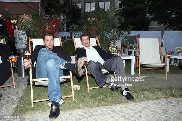 Bruno Eyron Und Gedeon Burkhard Beim Bild Sommerfest In Der Ullstein Halle In Berlin