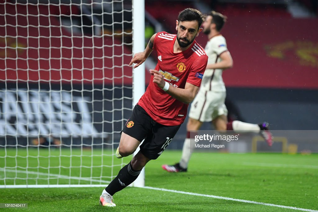 Bruno Fernandes of Manchester United celebrates after scoring their... News  Photo - Getty Images