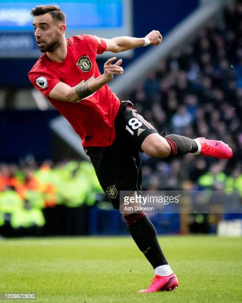 Bruno Fernandes of Manchester United scores their first goal during the Premier League match between Everton FC and Manchester United at Goodison...