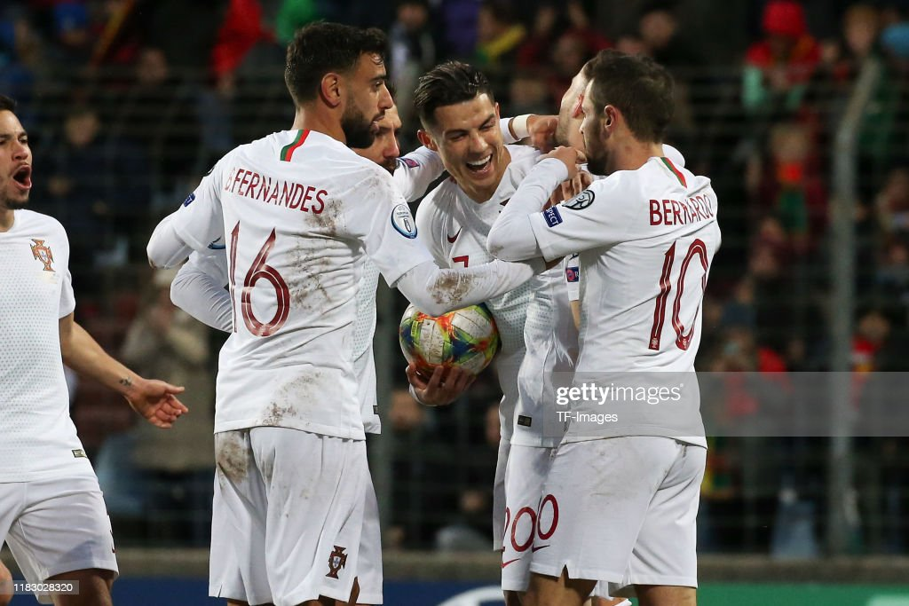 Luxembourg v Portugal - UEFA Euro 2020 Qualifier : Photo d'actualité