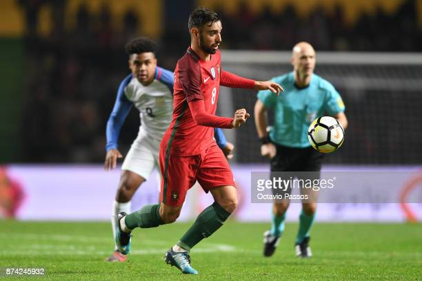 Bruno Fernandes of Portugal in action during the International Friendly match between Portugal and USA at Estadio Municipal Leiria on November 14...