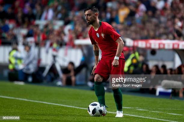 Bruno Fernandes of Portugal in actionduring the friendly match of preparation for FIFA 2018 World Cup between Portugal and Algeria at the Estadio do...