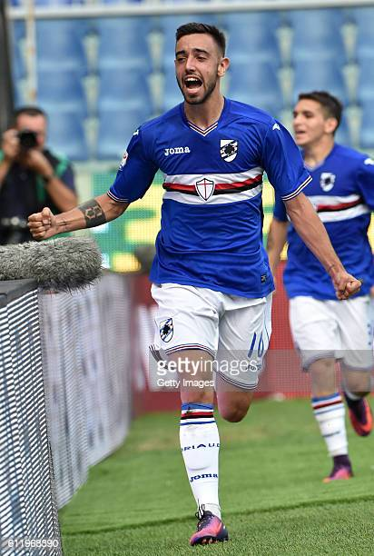 Bruno Fernandes of Sampdoria celebrates after scoring the equalizing goal during the Serie A match between UC Sampdoria and US Citta di Palermo at...
