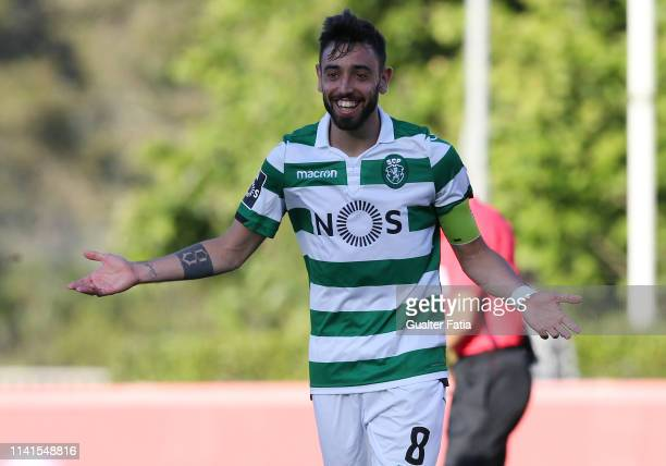 Bruno Fernandes of Sporting CP celebrates after scoring a goal during the Liga NOS match between Belenenses SAD and Sporting CP at Estadio Nacional...