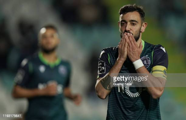 Bruno Fernandes of Sporting CP celebrates after scoring a goal during the Liga NOS match between Vitoria FC and Sporting CP at Estadio do Bonfim on...