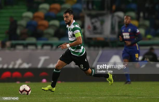 Bruno Fernandes of Sporting CP in action during the Liga NOS match between Sporting CP and GD Chaves at Estadio Jose Alvalade on November 11 2018 in...
