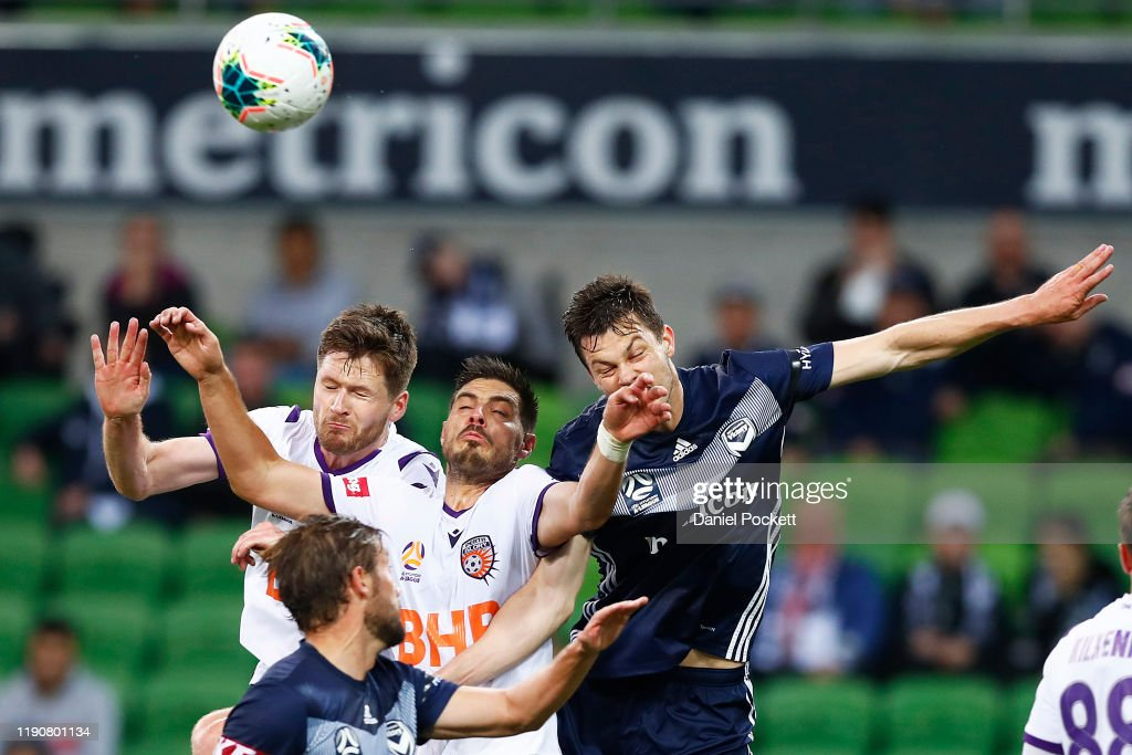 A-League Rd 8 - Melbourne v Perth : News Photo