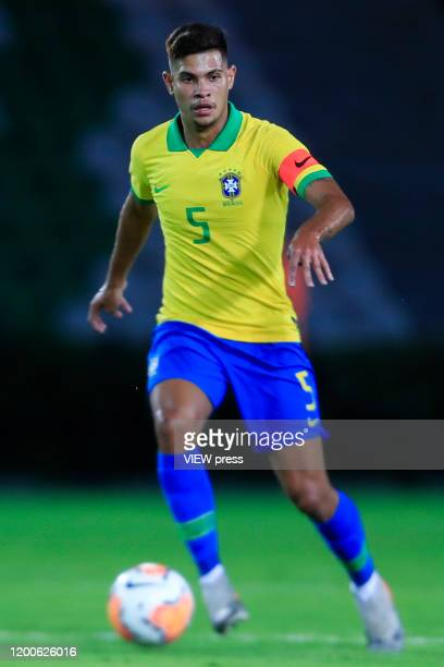 Bruno Guimaraes of Brazil controls the ball during his CONMEBOL Pre-Olympic soccer game against Peru at Centenario Stadium on January 19, 2020 in...