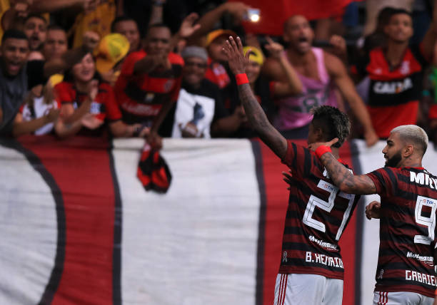 Bruno Henrique and Gabriel Barbosa of Flamengo celebrate a scored goal during a match between Vasco da Gama and Flamengo as part of State...
