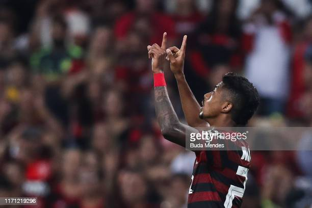 Bruno Henrique of Flamengo celebrates after scoring the third goal of his team during a match between Flamengo and Internacional as part of...