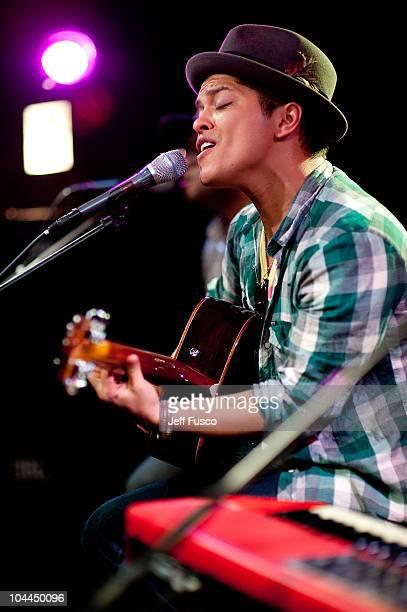 Bruno Mars performs at radio station Q102's Studio Q on September 25 2010 in Philadelphia Pennsylvania