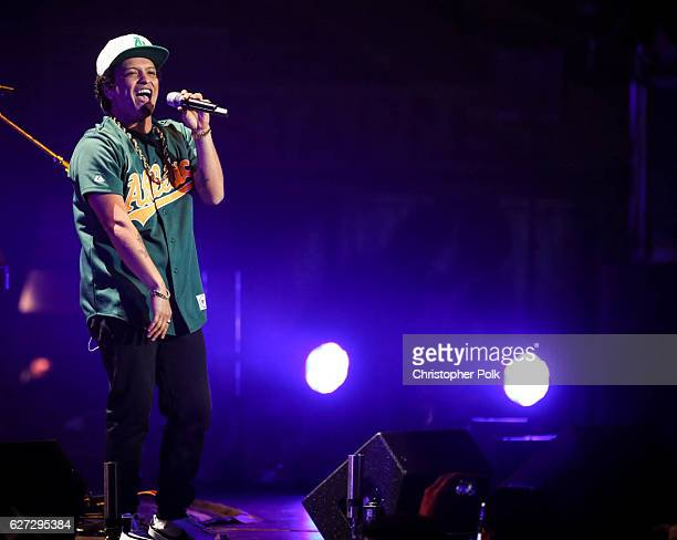 Bruno Mars performs on stage during the 1027 KIIS FM's Jingle Ball 2016 at Staples Center on December 02 2016 in Los Angeles California