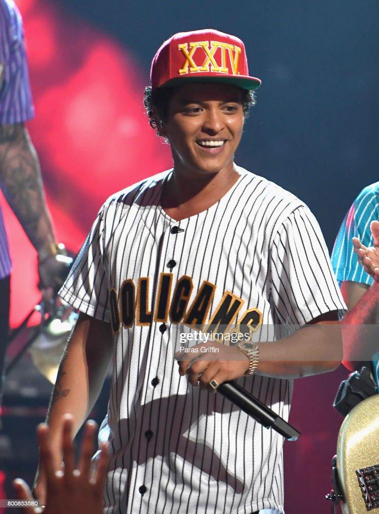 2017 BET Awards - Roaming Show : News Photo