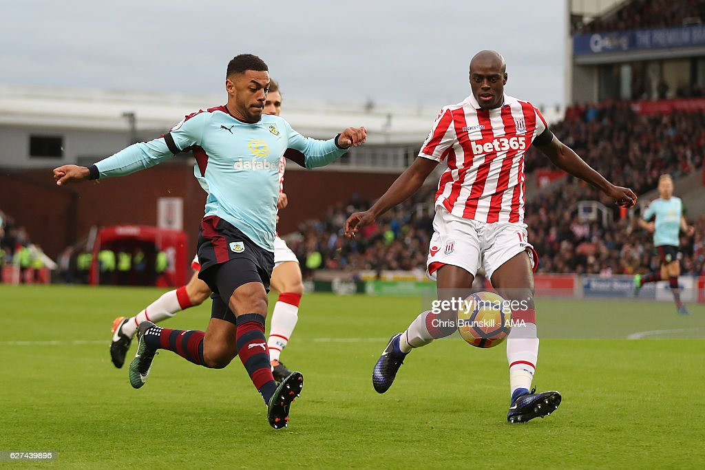 Stoke City v Burnley - Premier League : News Photo