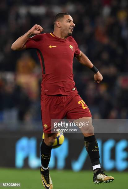 Bruno Peres of AS Roma celebrates the victory after the Serie A match between AS Roma and SS Lazio at Stadio Olimpico on November 18 2017 in Rome...