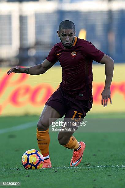 Bruno Peres of AS Roma in action during the Serie A match between Empoli FC and AS Roma at Stadio Carlo Castellani on October 30 2016 in Empoli Italy
