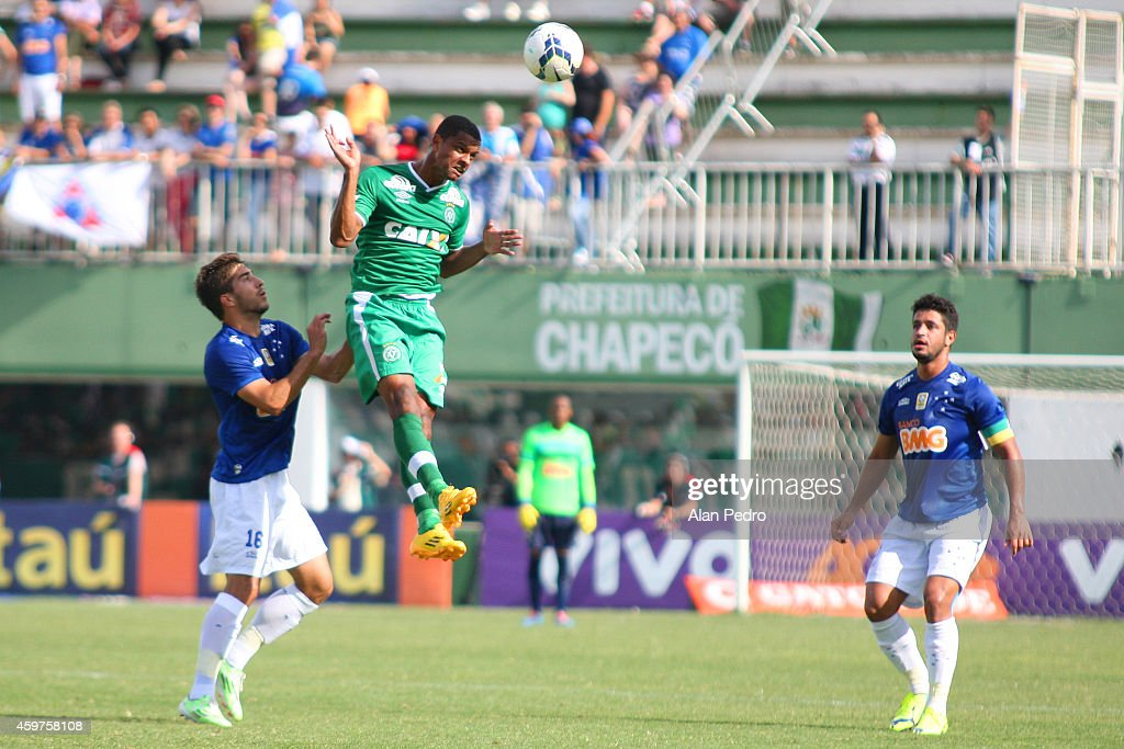 Bruno Rangel #9 of the Chapecoense and Lucas Silva #16 of Cruzeiro compete for a header during the match between Chapecoense and Cruzeiro for the Brazilian Series A 2014 at Arena Conda Stadium on November 30, 2014 in Chapeco, Brazil.