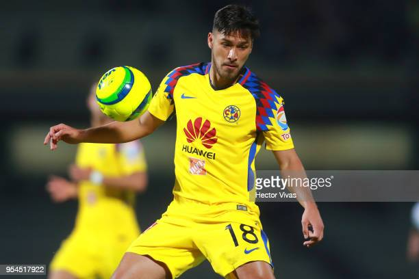 Bruno Valdez of America controls the ball during the quarter finals first leg match between Pumas UNAM and America as part of the Torneo Clausura...