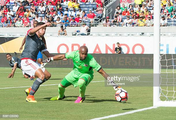 Bruno Valdez of Paraguay fights for the ball with Patric Pemberton of Costa Rica before a group A match between Costa Rica and Paraguay at Camping...