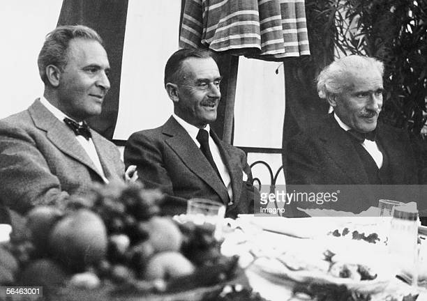 Bruno Walter and the Italian conductor Arturo Toscanini Photography about 1935 [Bruno Walter und der ital Dirigent Arturo Toscanini Photographie um...