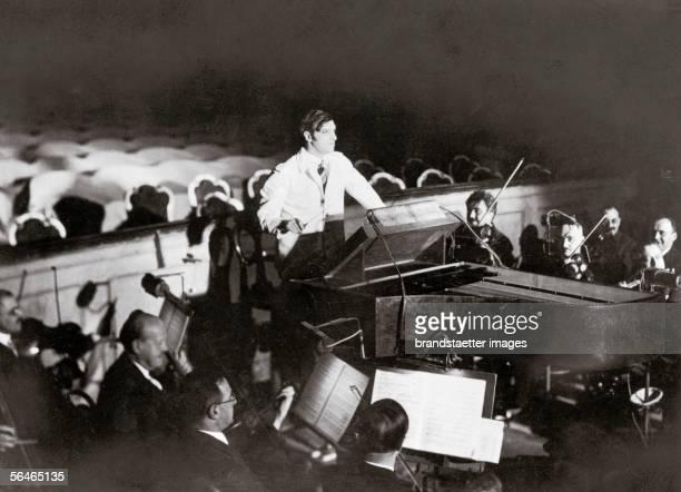 Bruno Walter and the Wiener Philharmonikern in London June 25th 1937 Photograph [Bruno Walter mit den Wiener Philharmonikern in London 25 Juni 1937...