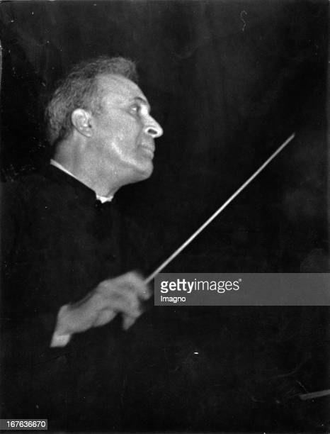Bruno Walter conducts Anton Bruckner's 8th Symphony in Amsterdam Photography Around 1937 Bruno Walter dirigiert Anton Bruckners 8 Symphonie in...