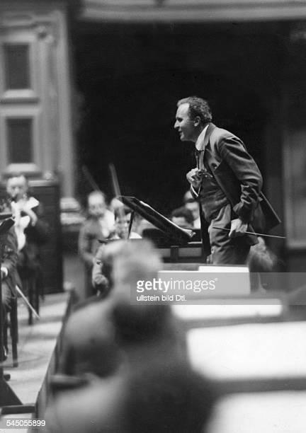 Bruno Walter*15091876 Dirigent Dam Pult undatiert vermutlich 1932Foto Atelier Lotte Jacobi