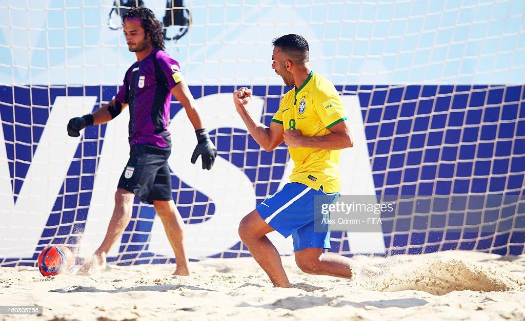 Iran v Brazil: Group C - FIFA Beach Soccer World Cup : News Photo
