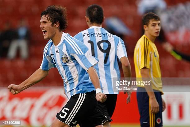 Bruno Zuculini de Argentina celebra su gol durante un partido en el marco del Sudamericano Sub 20 entre las selecciones de Colombia y Argentina el 12...