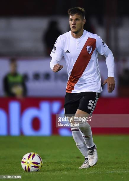 Bruno Zuculini of River Plate drives the ball during a match between Huracan and River Plate as part of Superliga Argentina 2018/19 at Estadio Tomas...