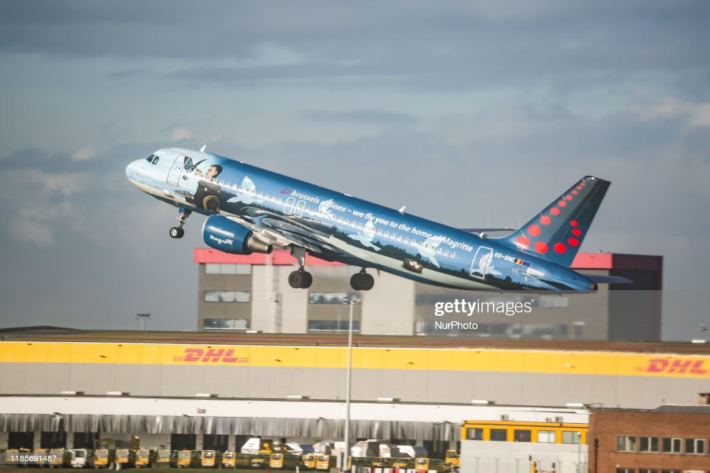 Airlines Airbus A320 : News Photo