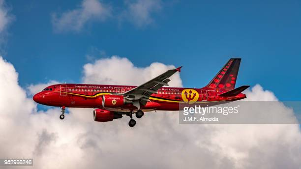 oo-sna brussels airlines airbus a320-214 - brussels airlines stock photos and pictures