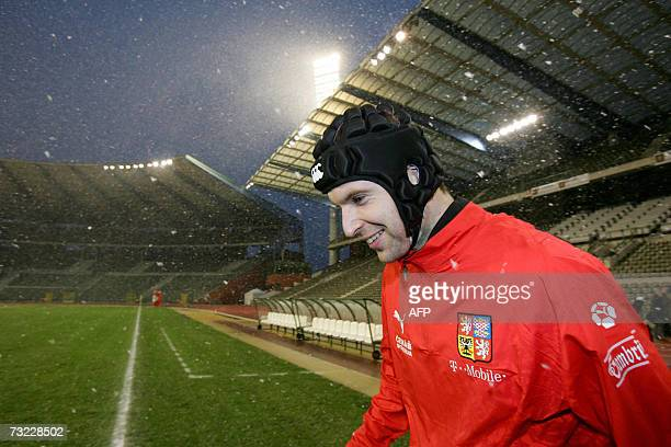 Czech Republic's keeper Peter Cech attends a training session 06 February 2007 in Brussels in preparation for a friendly game vs Belgium Red Devils...