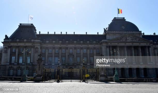 Brussels Belgium March 23 2020 Palais de Bruxelles signe de solidarité pour le personnel soignant / drapeau blanc Paleis van Brussel solidariteit met...