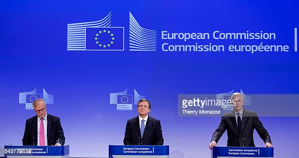 Brussels Belgium November 28 2012 President of the European Commission Jose Manuel BARROSO flanked by the EU Economic and monetary affairs and the...