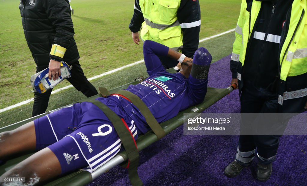 20171222 - Brussels , Belgium / Rsc Anderlecht v As Eupen / 'nHenry ONYEKURU - Injury'nFootball Jupiler Pro League 2017 - 2018 Matchday 20 / 'nPicture by Vincent Van Doornick / Isosport