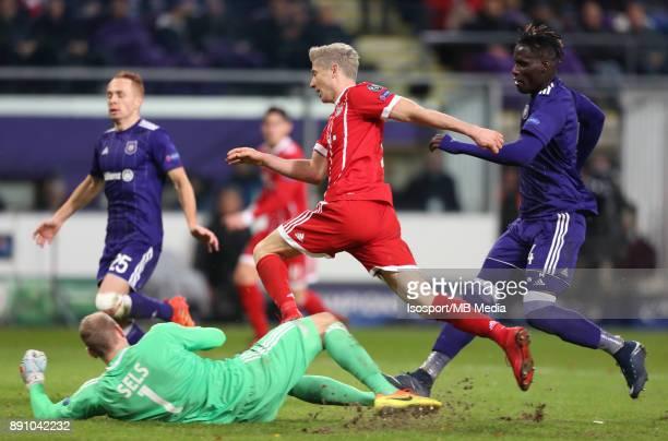 20171122 Brussels Belgium / Rsc Anderlecht v Bayern Munchen / 'nMatz SELS Robert LEWANDOWSKI Kara MBODJI'nFootball Uefa Champions League 2017 2018...