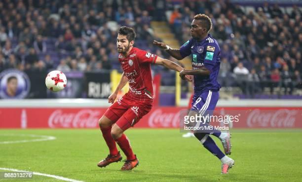 20171025 Brussels Belgium / Rsc Anderlecht v Zulte Waregem / 'nSandy WALSH Henry ONYEKURU'nFootball Jupiler Pro League 2017 2018 Matchday 12 /...