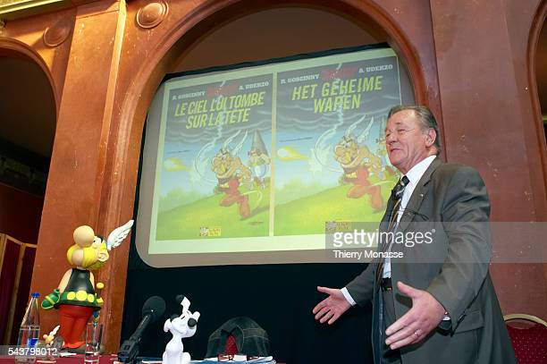 Brussels Belgium September 22 2005 Albert Uderzo cartoon artist of all 33 Asterix comic books and story writer of the last 9 books sits next to a...
