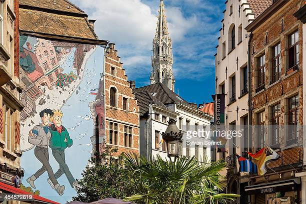 brussels, street cartoon art - brussels capital region stock pictures, royalty-free photos & images