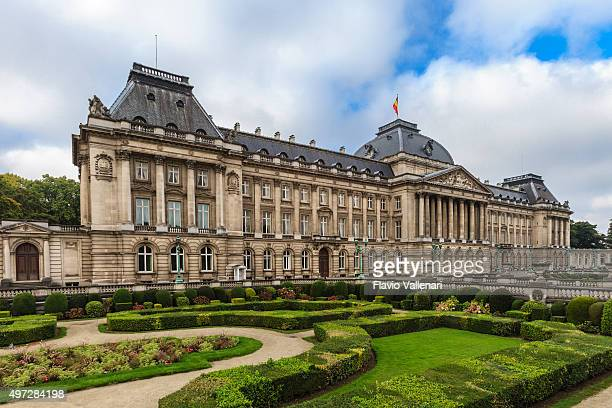 brussels, the royal palace - bergium - royal palace brussels stock pictures, royalty-free photos & images