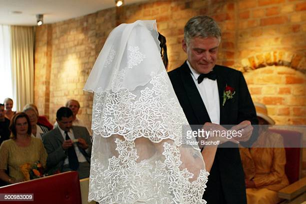 Bräutigam Rüdiger Joswig, Braut Claudia Wenzel, Hochzeit, , Anklam, Mecklenburg-Vorpommern, Standesamt, standesamtliche Trauung, Brautpaar,...