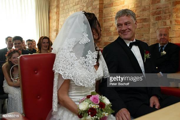 Bräutigam Rüdiger Joswig, Braut Claudia Wenzel, Wolfgang Rademann , Cornelia Wenzel , Nastasja Wegner , Hochzeit, , Anklam, Mecklenburg-Vorpommern,...
